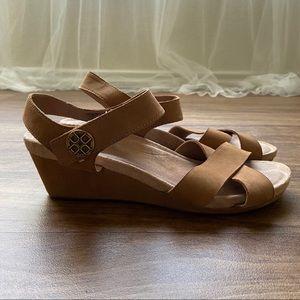 UGG VEVA Ankle Strap Wedge Sandal